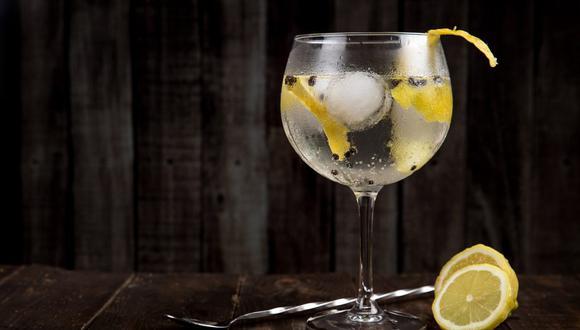 El gin es una de las bebidas más populares en cualquier época del año y una gran opción para el otoño. (Foto:  Toni Cuenca / Pexels)