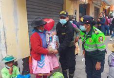 """""""Ángeles verdes"""" llevan alegría a mamás trabajadoras de Huancavelica"""
