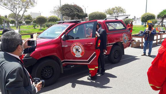 Entregan vehículo para rescate en estructuras colapsadas