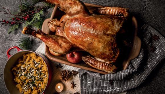 La Noche Buena no sería lo mismo sin un pavo en la mesa, sin embargo también puedes usar otro tipo de carne como pollo o chancho. Sigue el paso a paso de esta deliciosa receta