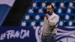 Juan Reynoso obtiene otro triunfo con Cruz Azul y es protagonista de la Liga MX