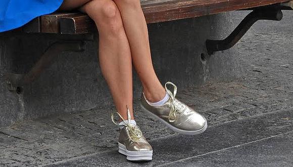 Detienen a mujer que llevaba dos kilos de oro en sus zapatos