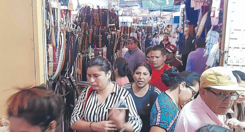 MPCh cede ante presión de comerciantes formales
