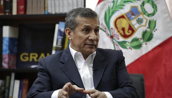 Ollanta Humala lleva en su plancha presidencial a Ana María Salinas y Luis Alberto Otárola. (Foto: EFE/ Paolo Aguilar)