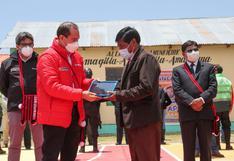Gobierno entrega tablets en distrito de Taraco, provincia de Huancané