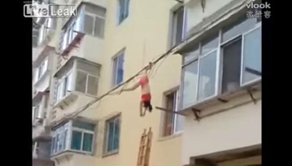 YouTube: amante intentó huir por la ventana pero terminó mal (VIDEO)