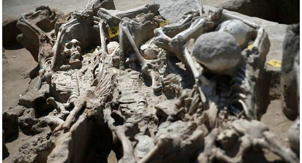 Grecia: Descubren fosa con esqueletos maniatados en antiguo cementerio (VIDEO)