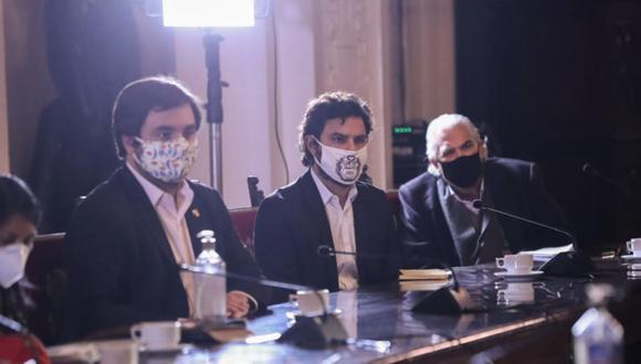 Alberto de Belaunde y Daniel Olivares solicitaron respuestas del ministro del Interior, José Elice. (Foto: Andina)