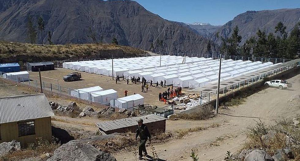 Evacuados por la erupción del volcán Ubinas sufren al viajar en camiones