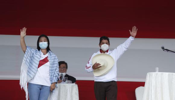 Pedro Castillo junto a Keiko Fujimori. (Foto: Hugo Pérez / @photo.gec)