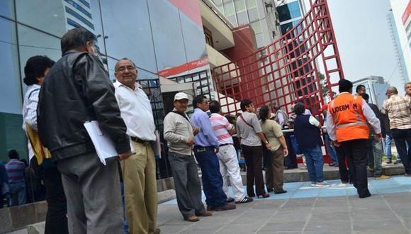 Las deudas alimentarias podrán ser cubiertas hasta con un 30% del monto que desembolse el afiliado que acceda al retiro de hasta 4 UIT. (Foto: Andina)