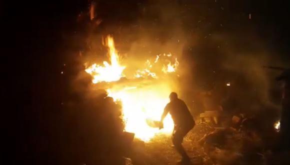 Los serenos junto a los pobladores tuvieron que hacer muchos esfuerzos para controlar las llamas. (Foto: Difusión)