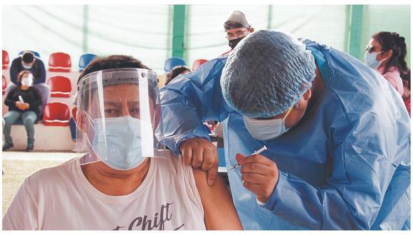 La Dirección de Salud está coordinando para la aplicación masiva de dosis contra el coronavirus en todo el departamento de Tumbes.