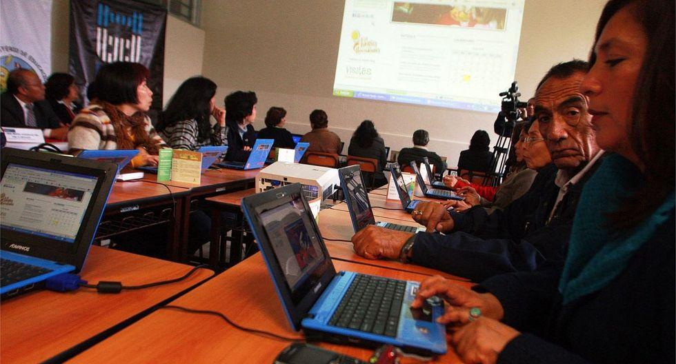 Certifican a servidores públicos bilingües para una atención inclusiva