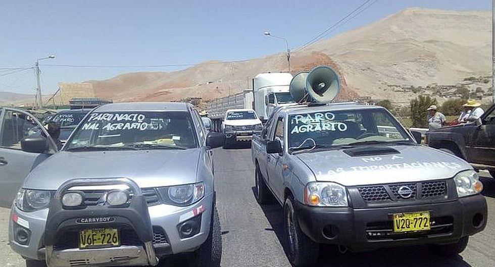 Agricultores bloquean puente Punta Colorada y restringen accesos a provincias