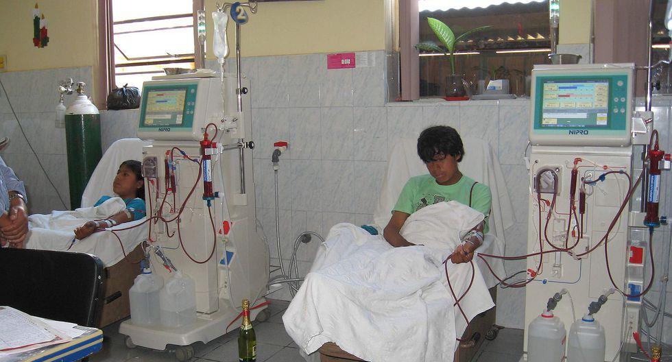 Médicos instan a la población a salvar riñones con un simple examen