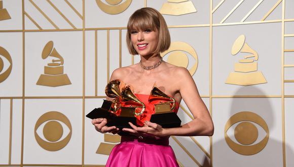 """Taylor Swift seguirá conquistando éxitos a nivel internacional gracias al lanzamiento de su nueva versión de """"Red"""". (Foto: MARK RALSTON / AFP)"""
