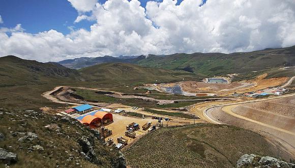 Empresa Río Tinto paga $ 5 millones para seguir en el proyecto minero La Granja