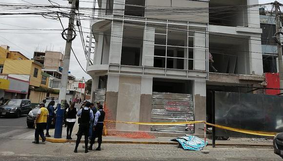 Venezolano muere al caer de lo alto de edificio en Yanahuara