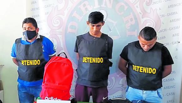 Implicados tenían un arma de fuego, droga y municiones, por eso son investigados por tres delitos.