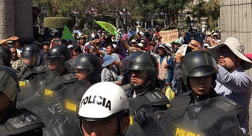 Ocho detenidos tras generar disturbios en paro de Arequipa