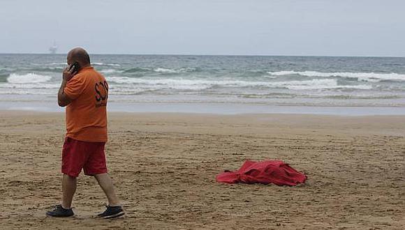 Hallan a un hombre muerto en una playa de Lobitos