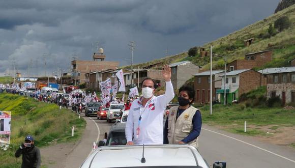 El candidato presidencial de Acción Popular marca distancia de sus postulantes en Puno.