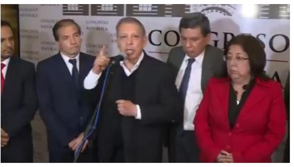 """Marco Arana llama """"delincuentes"""" a congresistas que votaron por Foronda (VIDEO)"""