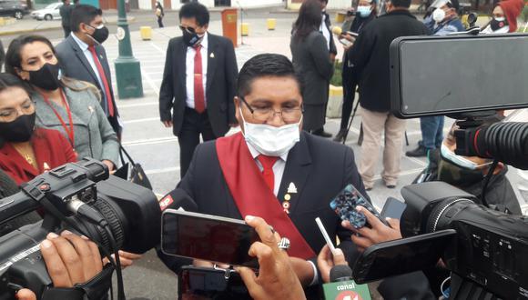 Autoridad de Tacna dio su parecer al final de las actividades protocolares por el bicentenario. (Foto: Adrian Apaza)
