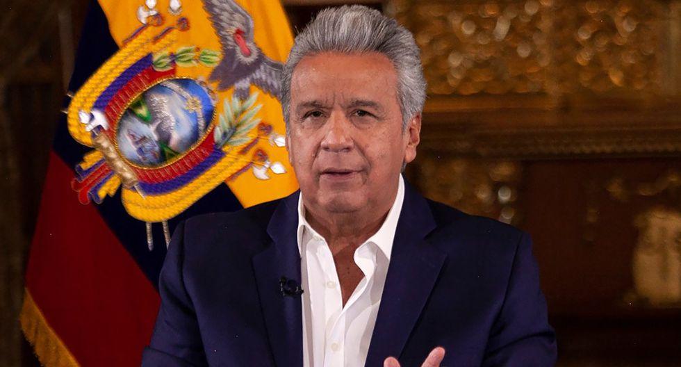 Imagen muestra al presidente de Ecuador, Lenín Moreno, manteniendo una reunión en el Palacio Presidencial Carondelet en Quito el 10 de abril de 2020 durante la pandemia del coronavirus. (Presidencia de Ecuador/AFP).