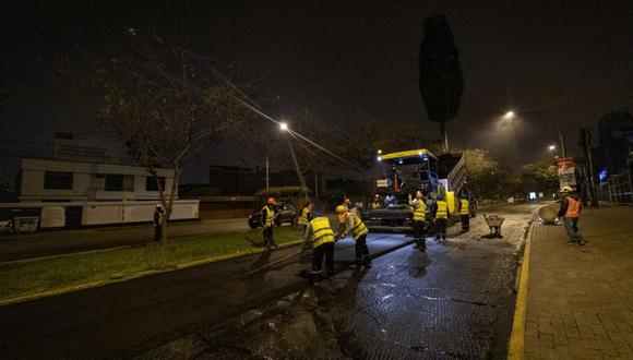 Los trabajos se despliegan de 10 p.m. a 5 a.m., con el objetivo de no interrumpir el tránsito vehicular. (Foto: Municipalidad de Lima)