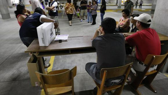 Las mesas de votación están integradas por un presidente, secretario y el tercer miembro. (Foto: Perú 21)