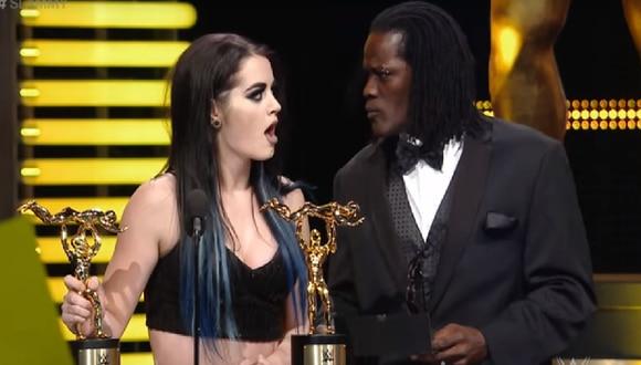 YouTube: WWE hace parodia del error del Miss Universo
