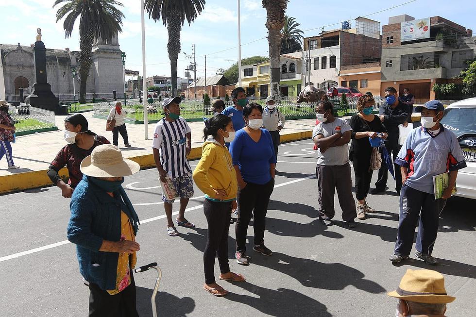 Descontrol de personas en municipios para solicitar canasta de alimentos (FOTOS)