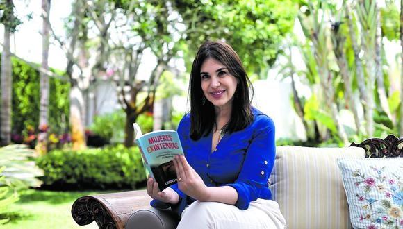 """Once años ayudando en el penal Santa Mónica le dieron a la educadora la autoridad para escribir el libro """"Mujeres exinternas"""". Ella nos cuenta su propia historia. (Foto: Jesús Saucedo / GEC)"""
