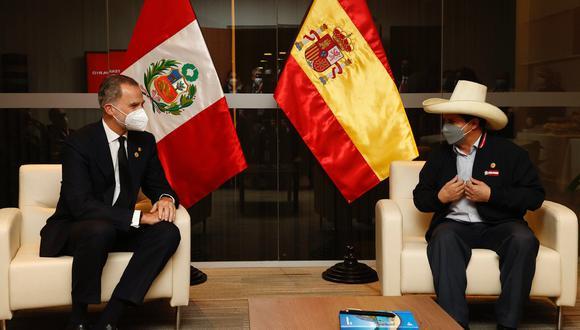 El medio español señala que el mensaje del presidente estuvo plagado de falsedades históricas y de insultos contra España y su Corona. (Foto: Casa Real de España)