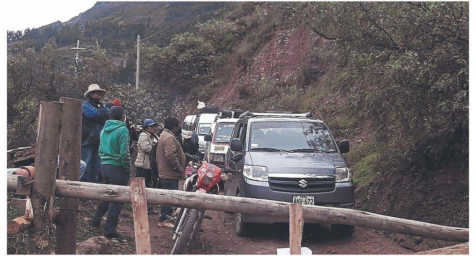 Ronderos impiden pase de vehículos a su pueblo en provincia de Pomabamba