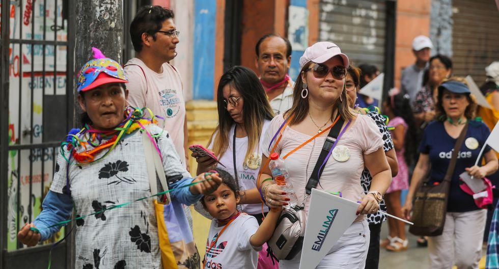 Las familias que acudieron al 'Carnaval de Lima' recibieron polos y antifaces que fueron otorgados por la comuna limeña. (Foto: Municipalidad de Lima)