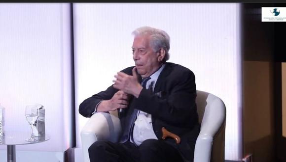 Mario Vargas Llosa respaldó las acusaciones de fraude desde España.