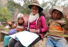Cusco: menor se convierte en maestra de niños que no tienen Internet en su comunidad