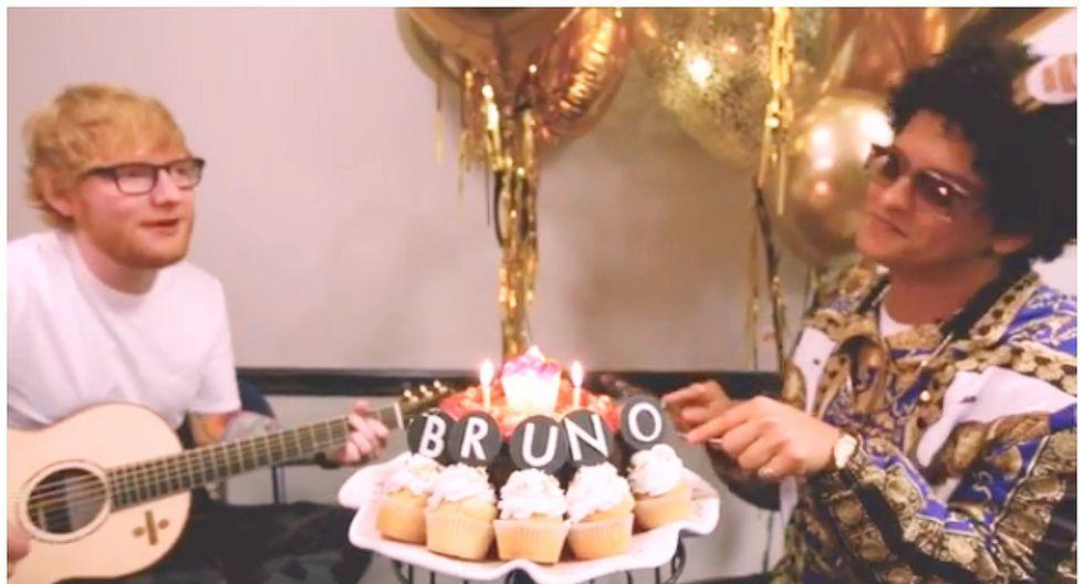 Bruno Mars 'contrató' a Ed Sheeran para que le cante 'Feliz cumpleaños' (VIDEO)