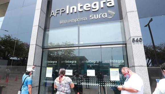 Todos los afiliados de las AFP podrán retirar hasta S/ 17,600 de sus fondos con ley publicada por insistencia por el Congreso. (Foto: Lino Chipana / GEC)