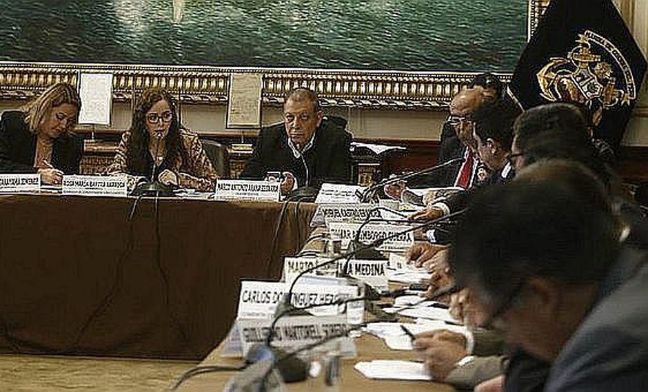 Comisión de Constitución iniciará debate de proyectos de reforma política el martes 16