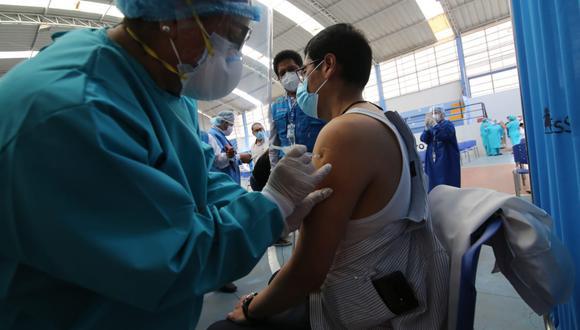 Piden tercera dosis contra el coronavirus para el personal de Salud. (Foto: Leonardo Cuito)