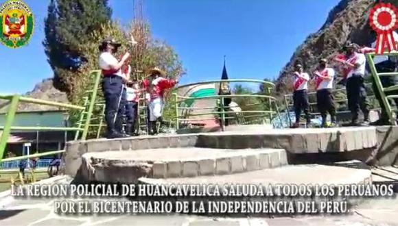 Video fue grabado por personal entusiasta de la Región Policial Huancavelica.
