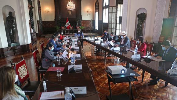 El presidente Francisco Sagasti durante la reunión con la Comisión Especial COVID-19 del Congreso. (Foto: Presidencia)
