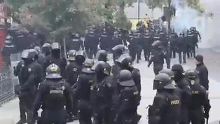 Disturbios en el centro de Praga por la suspensión del fútbol por la COVID-19