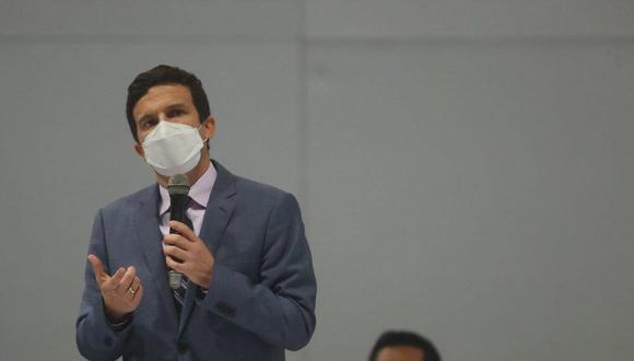 Ministro de Energía y Minas reveló los mensajes que Daniel Huarcaya Clemente le envió para ofrecerle un puesto en un posible gabinete si el presidente termina siendo vacado.