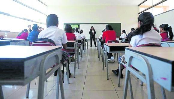 Comisión de Educación del Consejo Regional decide verificar si en otras provincias también hay docentes que salieron del país.