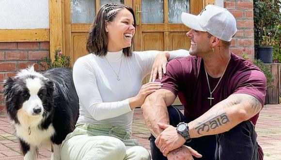 A través del programa de Magaly Tv, los ex guerreros confirmaron su romance, causando gran sorpresa entre los televidentes.